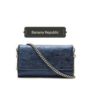 Perfect Smartphone Crossbody Wallet